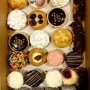 Signature Sweet Treat box (20 pcs)
