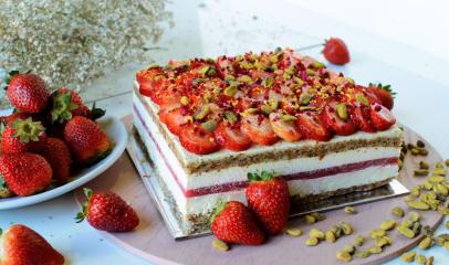 Annie Makes Cakes