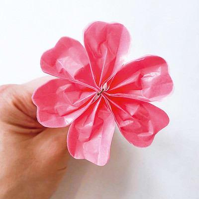 グラシン紙で手作り薔薇のコサージュ - step8