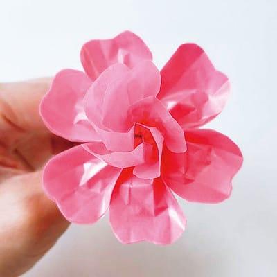 グラシン紙で手作り薔薇のコサージュ - step9