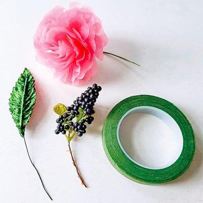 グラシン紙で手作り薔薇のコサージュ - step12
