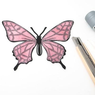 グラシン紙で色づけるカラー切り絵 - step5