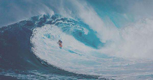 眠い画像・コントラストが低い例:サーフィン