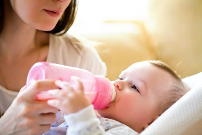 Breastfeeding or Bottles of Formula