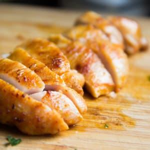Fitness Essen bestellen - Hähnchenstreifen mit Brokkoli, Blumenkohl und Schafskäse
