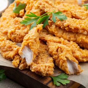 fitmeals - Chicken-Stripes in Low-Carb-Panade mit Zucchini-Soufflè