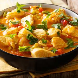 prep my meal - Rotes Hähnchencurry mit Wok-Gemüse, Quinoa und Cashew-Kernen