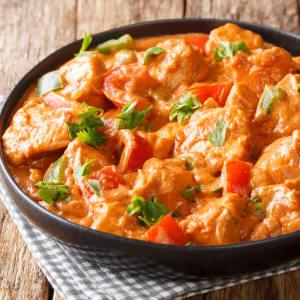 meal prep bestellen - Indian Butter Chicken mit geröstetem Blumenkohl