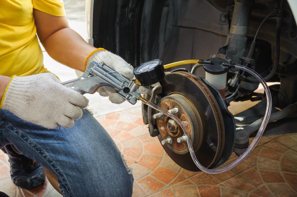 Hasil gambar untuk How to bleed your brakes