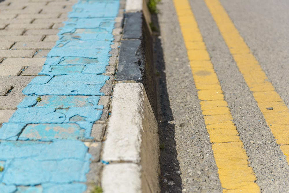 Yellow Curb Meaning >> The Guide To Colored Curb Zones In California Yourmechanic