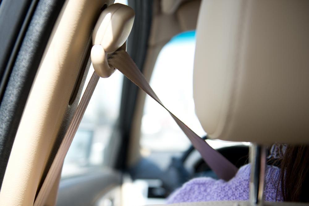 Close up of rear seatbelt c pillar