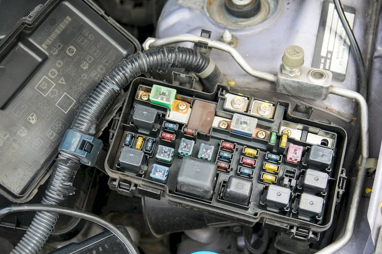 2008 honda cr v fuse box layout symptoms of a bad or failing anti lock    fuse    or relay  symptoms of a bad or failing anti lock    fuse    or relay