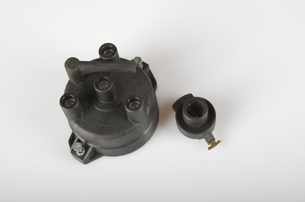 Symptoms of a Bad or Failing Distributor Rotor and Cap
