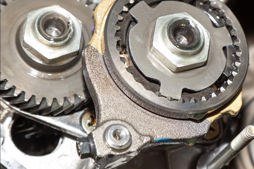 Symptoms Of A Bad Or Failing Pinion Seal Yourmechanic Advice