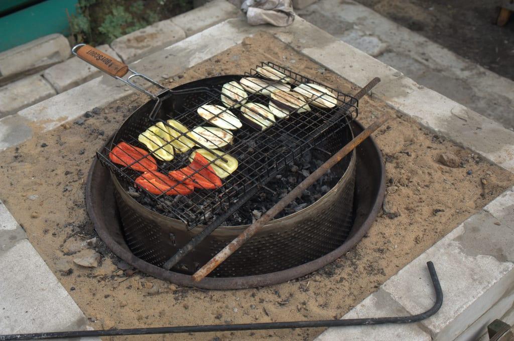 жарка на углях овощей