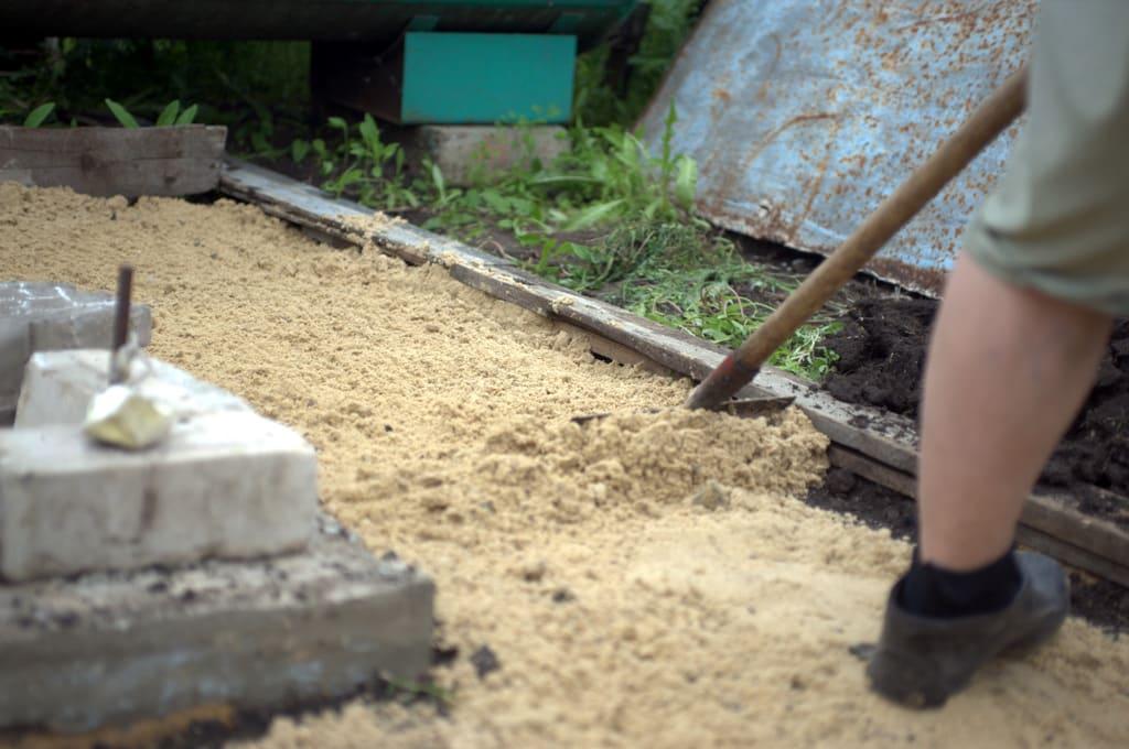 грабли песок