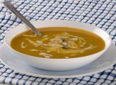 מרק ירקות כתומים