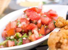 סלט עגבניות פיקנטי