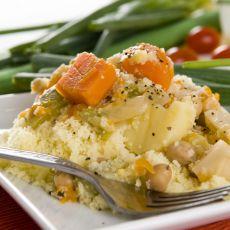 קוסקוס עם מרק ירקות וצ'רשי