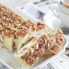 עוגת קפה ושוקולד צ'יפס / קינמון אגוזים / לימון פקאן / תפוחים