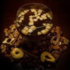 ליפתן פירות טריים ויבשים עם מעט סוכר חום, לימון וגינג'ר