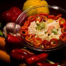 טופו צרוב בחגיגה גדולה של ירקות מוקפצים בחלב קוקוס