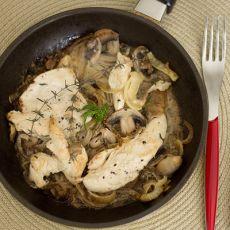 חזה עוף ברוטב פטריות ושמנת