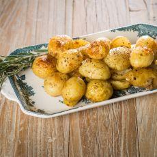 תפוחי אדמה אפויים בעשבי תיבול