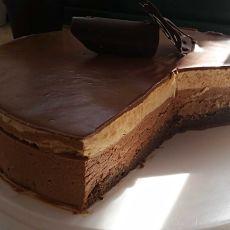 עוגת מוס שכבות   אפשרות ללא גלוטן  (בהזמנה יומים מראש)
