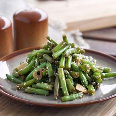 שעועית ירוקה מוקפצת בסגנון אסייתי