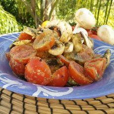 סלט עגבניות שרי ופטריות בפסטו