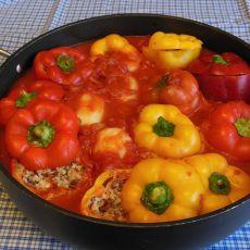 פילפל ממולא באורז מלא, ברוטב עגבניות טריות