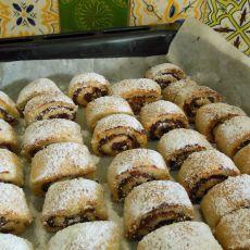 מעמול- עוגיות מזרחיות במילוי תמרים ואגוזים