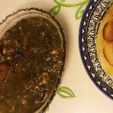 """""""גורמה סאבזי""""- תבשיל שעועית, סייטן והמון עשבי תיבול ברוטב חמוץ ואורז """"אחד אחד""""."""