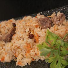 תבשיל בשר בקר / כבש עם אורז וגזר (אושפלאו)