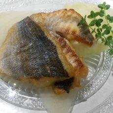 פילה אמנון - פילה אמנון בחמאה ויין לבן/ קרם סלק