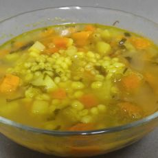 מרק ירקות עשיר עם גריסים