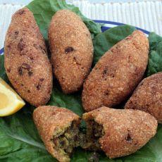 קובה מטגנת מבורגול וסולת- בשרית -  שנקראת גם קובה מקלאייה או קובה חלבי או קובה נבולסיה.