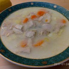 מרק עוף ביתי עם ירקות
