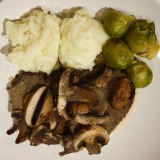 צלי בקר עם פטריות - נא להזמין יומיים מראש