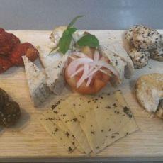 פלטת גבינות טבעוניות