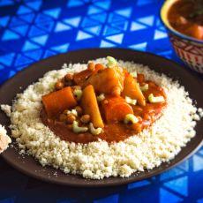 קוסקוס עבודת יד + מרק ירקות  אדום