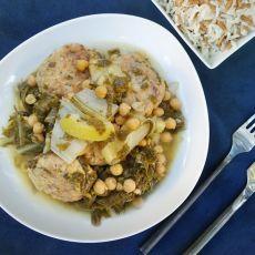 קציצות בורי טרי בתבשיל תרד, מנגולד וחומוס - פשוט מעדן!