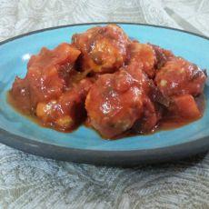 קציצות עוף פיקנטיות ברוטב עגבניות וירקות