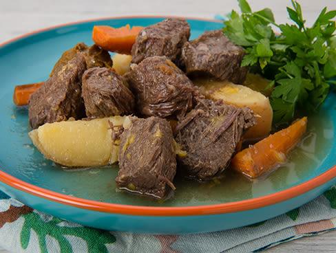 קדירת בשר בקר בבירה (גולאש שיכור)