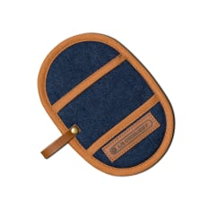 Le Creuset Finger Grip Pot Holder