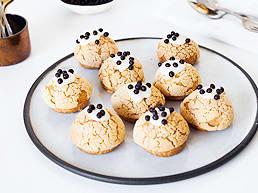 LINDT White Chocolate Crème Brûlée Profiteroles