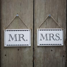 Ginger Ray Vintage Affair Mr & Mrs Signs