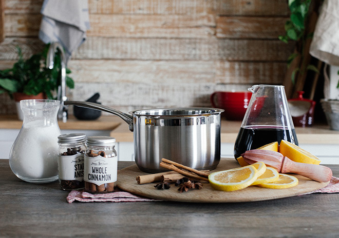 Star-anise-cinnamon-and-orange-mulled-wine-ingredients