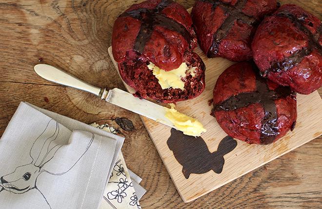 hot-cross-buns-red